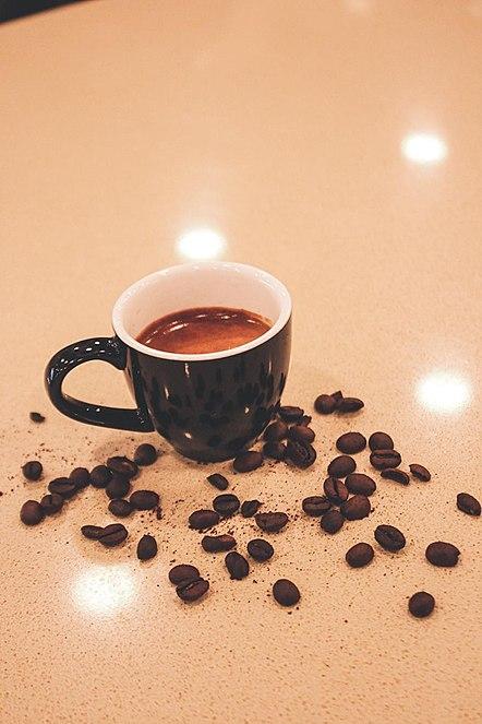 صناعة قهوة خالية من الكافئين
